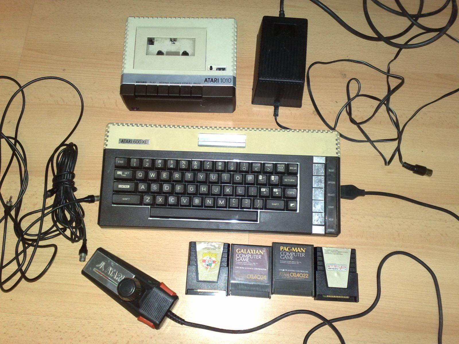Atari 600XL ir Atari 1010