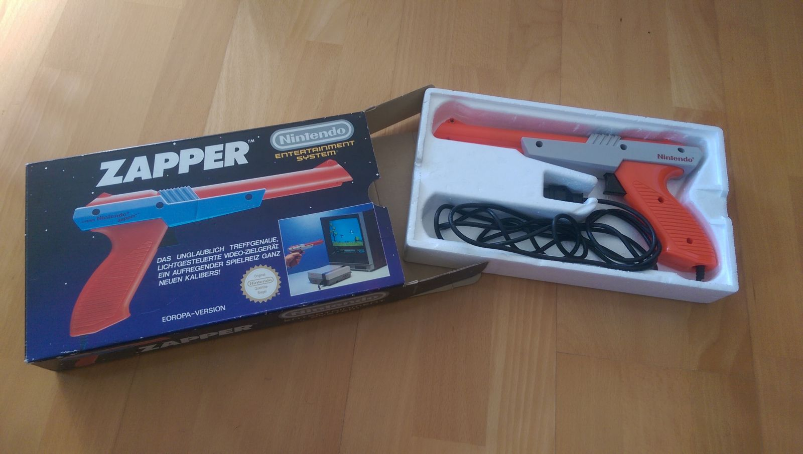 Nintendo Entertainment System - Zapper